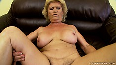 Busty mature lady seizes the chance to suck and fuck a big rod as soon as she can