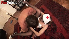 Naughty old amateur nurse gets drilled in her bald snatch on the floor