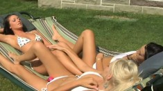 Hot lesbian ladies love to do their pussylicking out in the sun