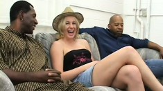 Two black thugs take turns on a curvy blonde tart's juicy behind