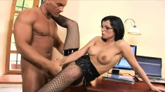 Lucky bosses secretary gives him a good fuck and blowjob at work
