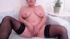 amateur noelle masturbating on live webcam