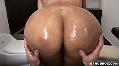 Really busty brunette with nice round ass gets it oiled up and played with