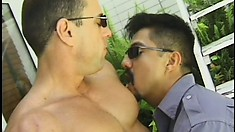 Hot gay dude with a ripped body gets his cock sucked and his ass fucked