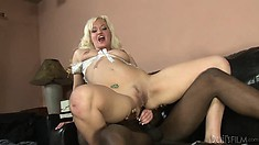 Cute blonde copes with black shlongs like the loosest whore out there