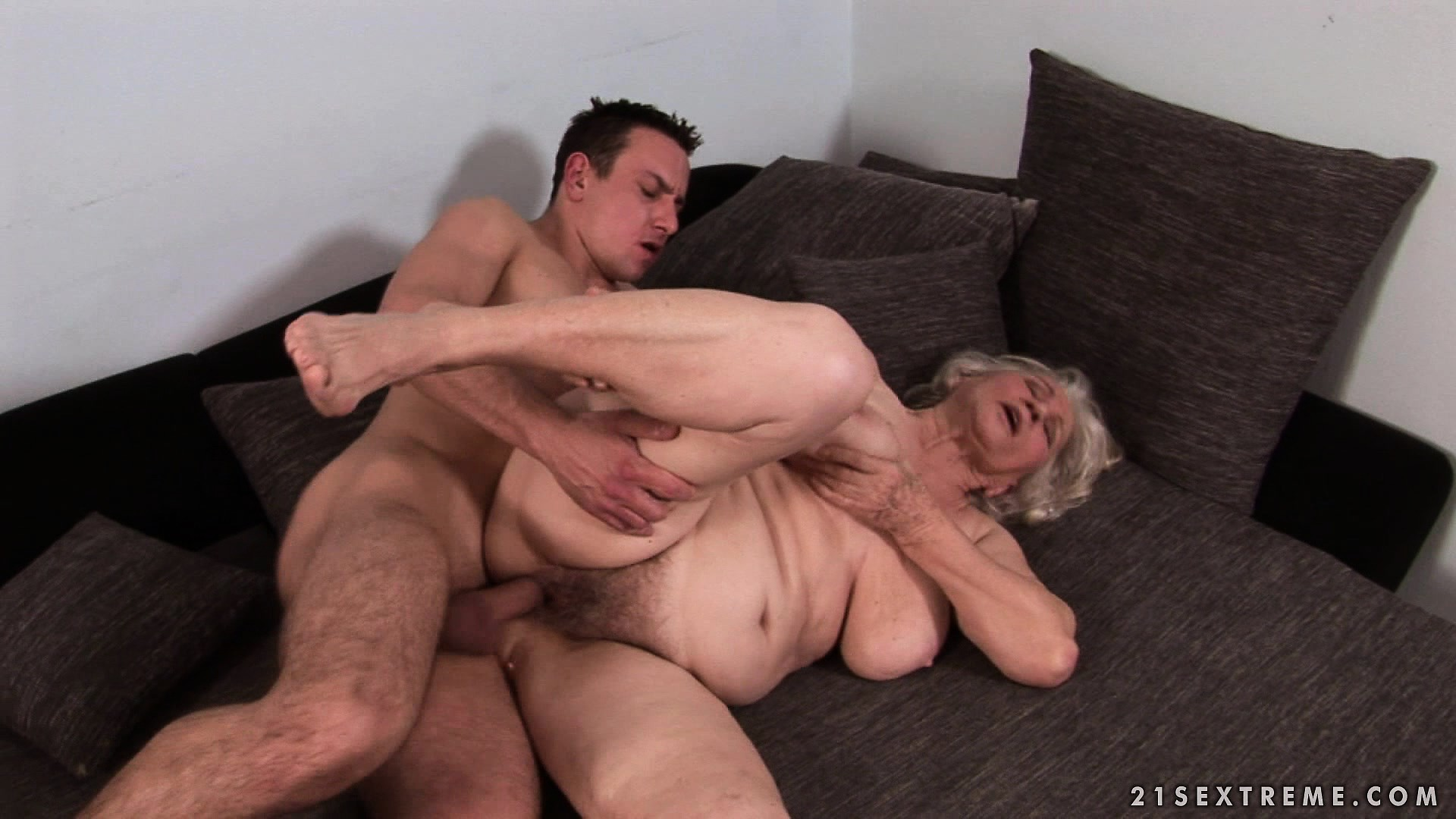 Big Tit Granny Porn - Free Mobile Porn & Sex Videos & Sex Movies - Big Saggy Tit ...