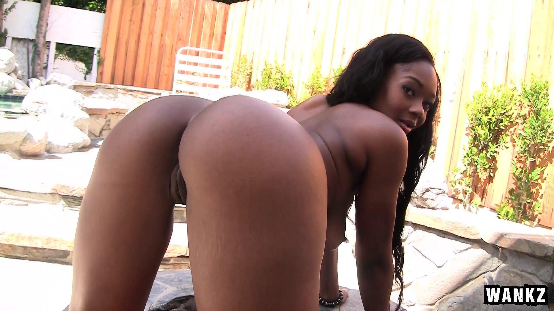 TRACI: Ebony beauty porn pictures