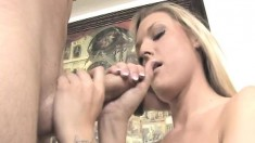 Beautiful blonde with tiny boobs Memphis puts her gifted hands to work