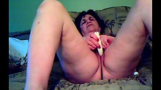 Russian Mature Toys Pussy On Webcam