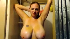 Amateur Milf Flashing Her Big Boobs In A Public Place
