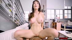 Horny steomom rewarded a stepson and gifted her pussy